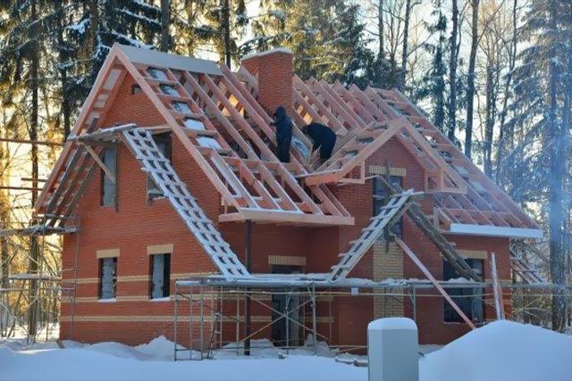 Cum construim în anotimpul rece? Am început lucrările dar se apropie iarna